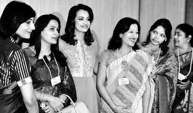 Actor-producer Dia Mirza posing with members of the FICCI Ladies Organisation in Hyderabad on Saturday.– Photo: K. Ramesh Babu