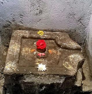 The Shivalingam at Raghunadhaswamy temple at Sadashivapet in Medak.-PHOTO: Mohd Arif