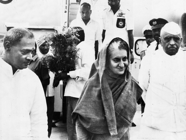 Former Andhra Pradesh Chief Minister P.V. Narasimha Rao (left) and former Governor Kandubhai Desai (right) receiving the former Prime Minister Indira Gandhi, in Hyderabad on September 7, 1972. Photo: The Hindu Archives